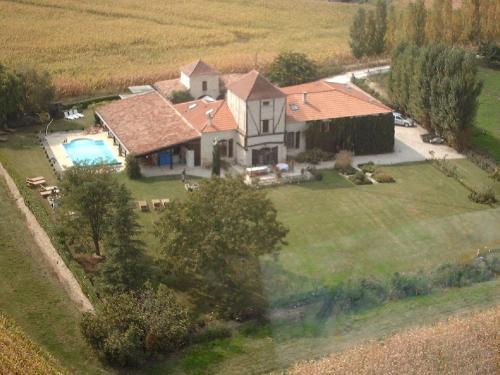 Charme et Douceur de Rosiès : Guest accommodation near Lafox