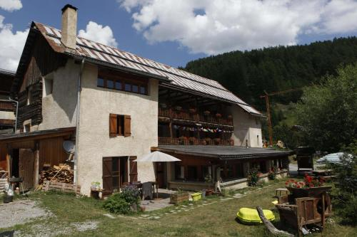 Le Chalet Viso : Bed and Breakfast near Arvieux