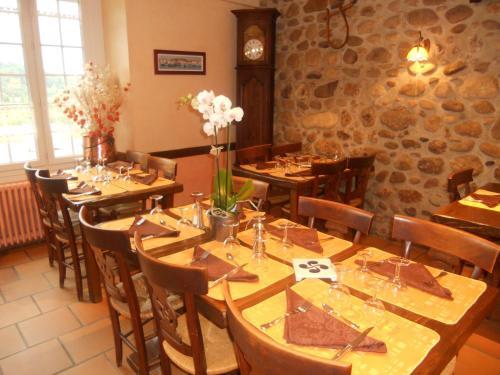 Logis L'Auberge Basque : Hotel near Aubarède