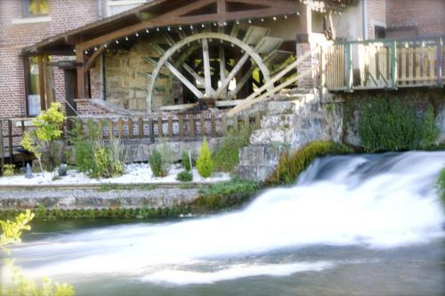 Logis Moulin Des Forges : Hotel near Vrocourt