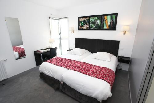 Hotel le Bellevue : Hotel near Comblessac
