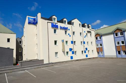 ibis budget Brive La Gaillarde : Hotel near Larche
