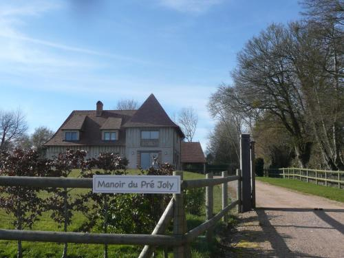 Manoir du Pre Joly : Bed and Breakfast near Branville