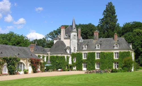 Château du Plessis - Anjou : Bed and Breakfast near Aviré
