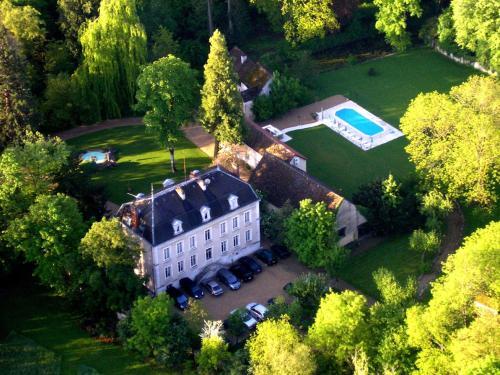 Château de Challanges : Hotel near Allerey-sur-Saône