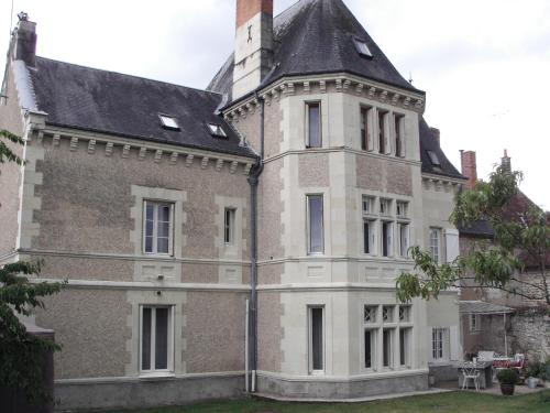 La Tourelle des Echelles : Bed and Breakfast near Le Petit-Pressigny