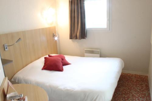 Hôtel balladins Coignières : Hotel near Boissy-sans-Avoir