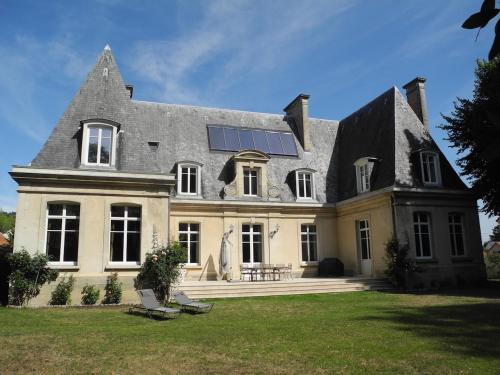 Le Château d'Hermonville : Bed and Breakfast near Variscourt