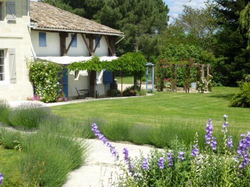 C'est la Vie - Le Gite : Apartment near Porchères