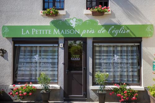 La Petite Maison près de l'Eglise : Bed and Breakfast near Saint-Brieuc-des-Iffs