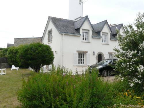 La Maison du Phare, maison à Riantec : Guest accommodation near Plouhinec