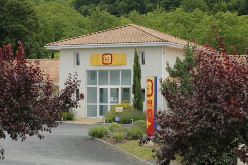 Hotel The Originals Brive-la-Gaillarde Ouest (ex P'tit-Dej Hotel) : Hotel near Coly