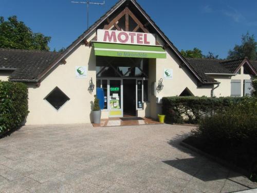 Hôtel La Mirandole : Hotel near Chapaize