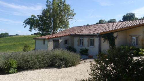 The Cottage at Bel-Endroit : Guest accommodation near Auriébat