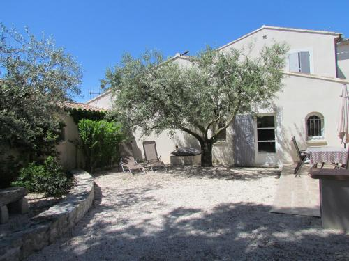 Gites en Provence proche Avignon : Guest accommodation near Aramon