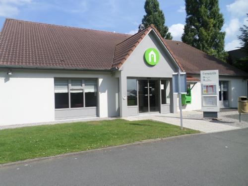 Campanile Lille - Seclin : Hotel near Vendeville
