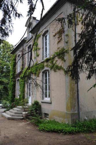 Manoir des Turets : Bed and Breakfast near Mézières-sur-Ponthouin