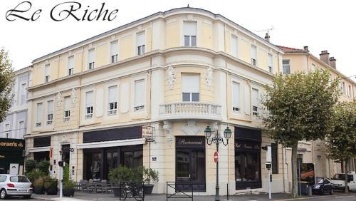 Le Riche By Sebastien Rath : Hotel near Saint-Sébastien-d'Aigrefeuille