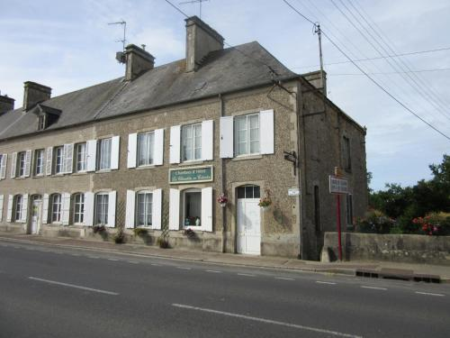 Chambres d'hôtes les Clématites en Cotentin : Bed and Breakfast near Foucarville