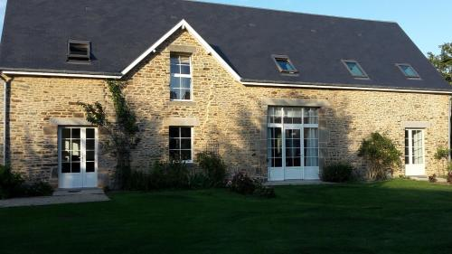 Maison Tombelaine : Guest accommodation near Dragey-Ronthon