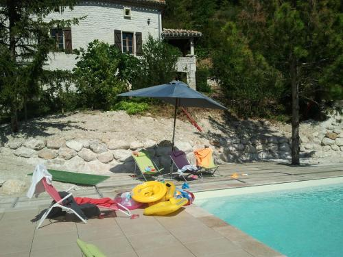 Gite Le Theron Fontaine : Guest accommodation near Saint-Laurent-Lolmie