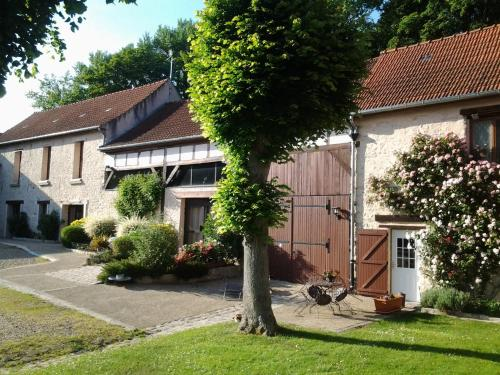 La Ferme de Vintué : Bed and Breakfast near Villeneuve-sur-Auvers