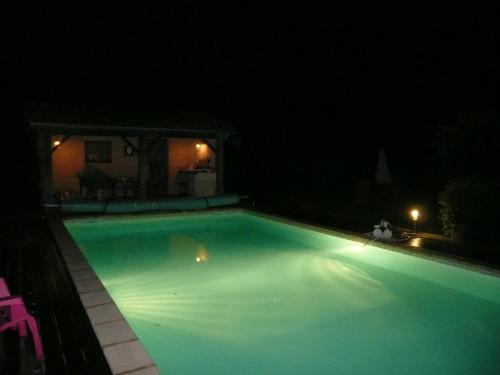 La Petite Lune : Guest accommodation near Mas-Grenier