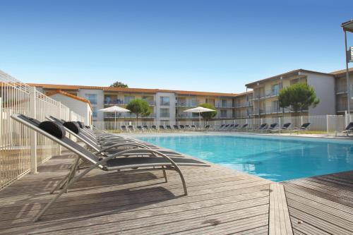 Vacancéole - Le Domaine du Château - La Rochelle / Île de Ré : Guest accommodation near L'Houmeau