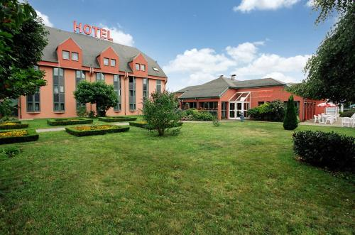 Hotel Restaurant La Tour Romaine - Haguenau - Strasbourg Nord : Hotel near Forstheim