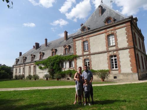 Château de Nettancourt : Bed and Breakfast near Dommartin-sous-Hans