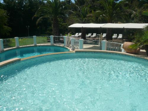 Résidence Royal Palmeraie : Guest accommodation near Gémenos