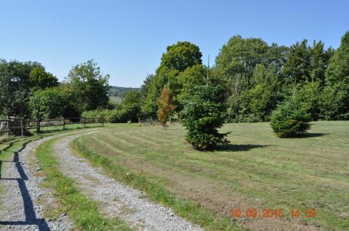 La Ferme du Grand Herbage : Bed and Breakfast near Le Mesnil-Germain