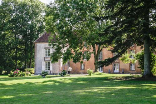 Le Bout du bois : Bed and Breakfast near Bretoncelles