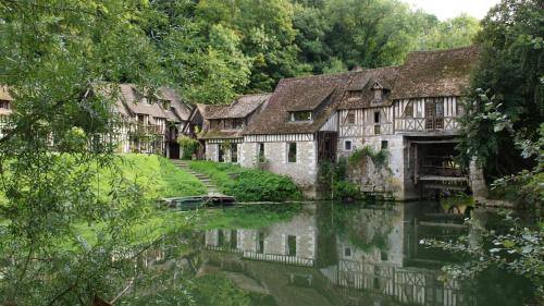Le Moulin d'Andé : Bed and Breakfast near Corny