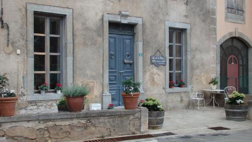 La vie en rose : Bed and Breakfast near Vieussan
