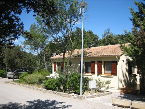 Bungalow Claret : Guest accommodation near Buzignargues