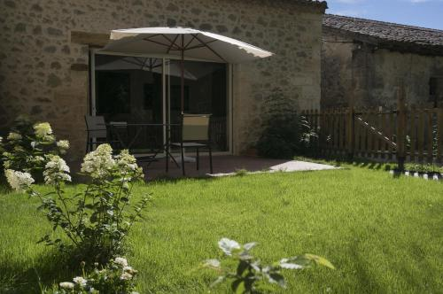 Le Gite du Banier : Guest accommodation near Saint-Ciers-d'Abzac