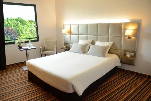 Brit Hotel Atalante Beaulieu : Hotel near Liffré