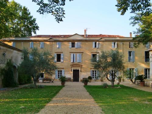 Château Rieutort Gîtes : Guest accommodation near Cazouls-d'Hérault