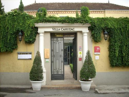 Logis Hotel Villa Cahuzac : Hotel near Garac