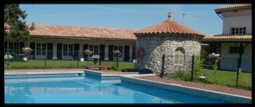 Lensotel : Hotel near Sainghin-en-Weppes