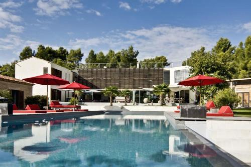 Design & Luxe Villa House Balinaise : Guest accommodation near Châteauneuf-le-Rouge