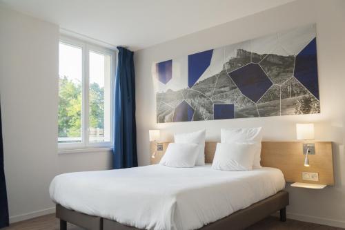 Brit Hotel Mâcon Centre Gare : Hotel near Solutré-Pouilly