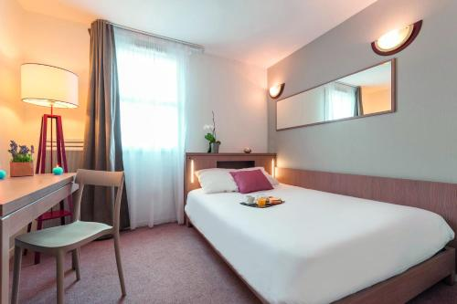 Appart'City Niort : Guest accommodation near Sainte-Néomaye