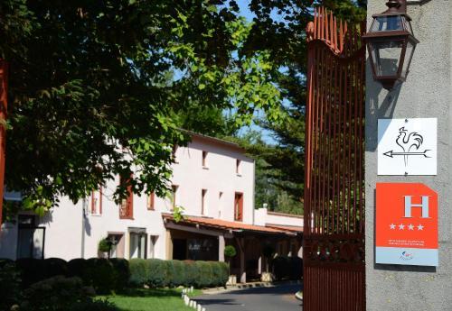Hotel The Originals Clos St Eloi (ex Relais du Silence) : Hotel near Lachaux