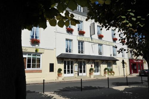 Logis Hotel Beaudon : Hotel near Courtieux