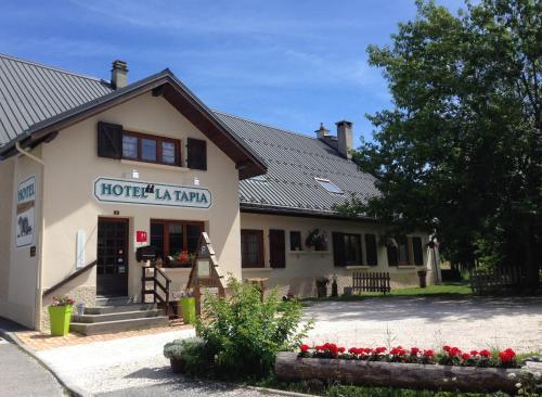 Hôtel La Tapia : Hotel near Engins