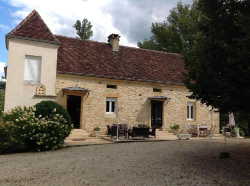 Le Moulin Des Fumades : Bed and Breakfast near Payrignac