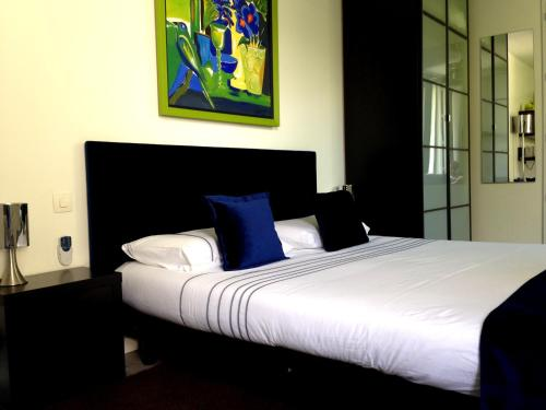 Romarine : Bed and Breakfast near Le Haillan