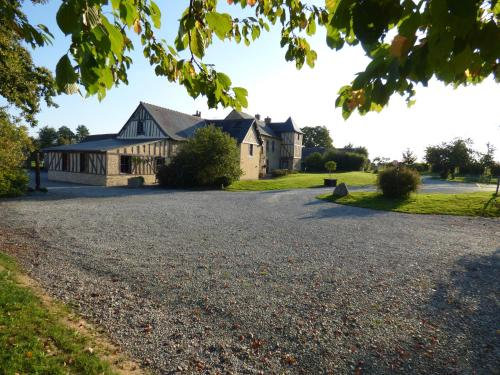 Manoir de la Haute Pilais : Bed and Breakfast near Vern-sur-Seiche